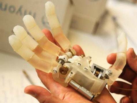 Scientists Make Prosthetic Hand Capable of Transmitting Sensation