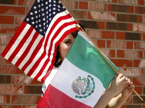 Mexican University Offers Course on How to Attain U.S. Citizenship