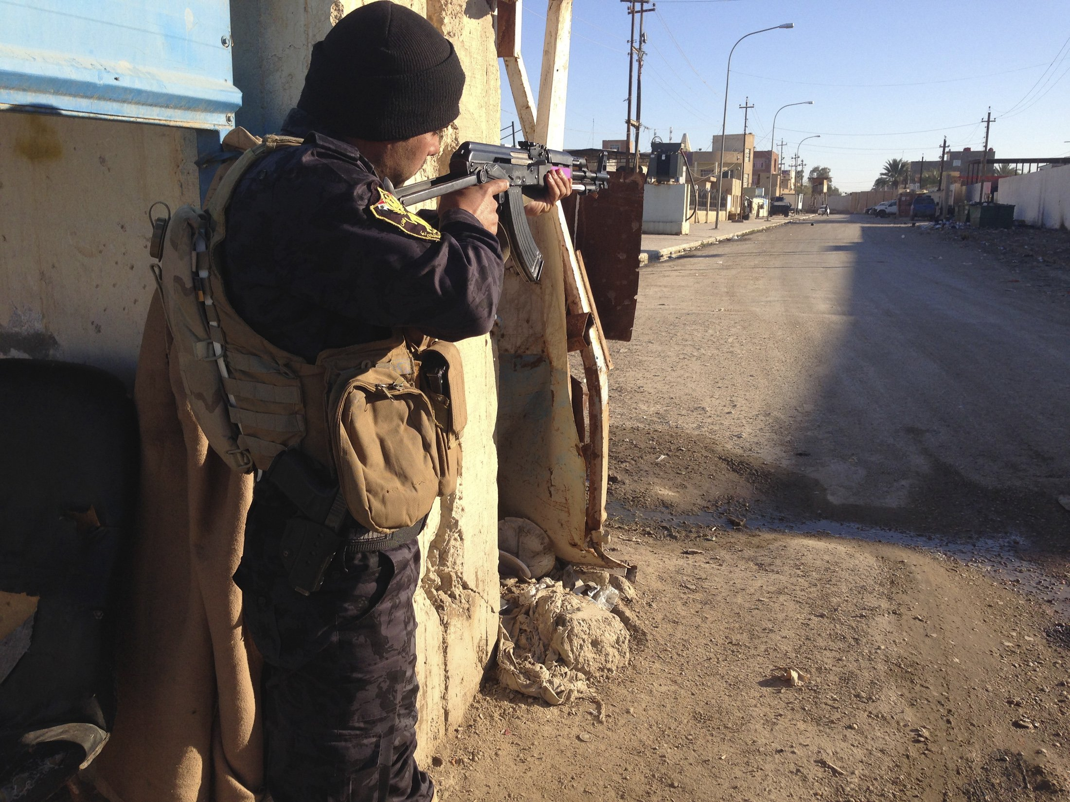 Sunnis Flee as Iraqi Army Pushes Back ISIS