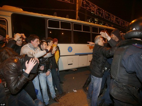 Two Dead in Violent Fights in Donetsk, Ukraine