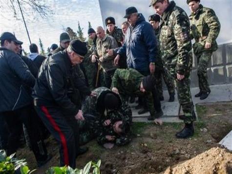 Pro-Russian Forces Capture Ukraine Navy Headquarters in Sevastopol