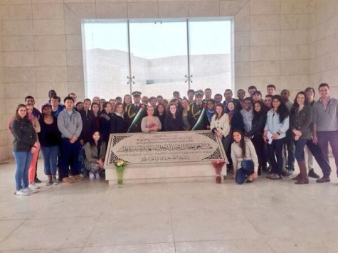 Harvard Students Visit Arafat's Grave