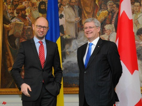 Canada's Stephen Harper Visits Ukraine, Wants Russia Out of G8