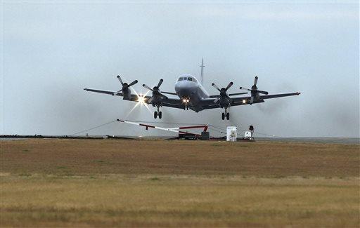 Hunt for Flight 370 Resumes in Calmer Seas