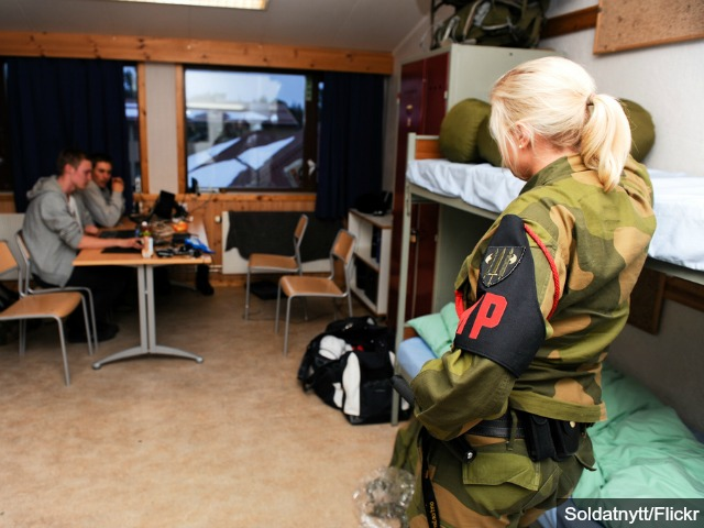 Norwegian Army 'Making Women Soldiers' Use Unisex Bedrooms