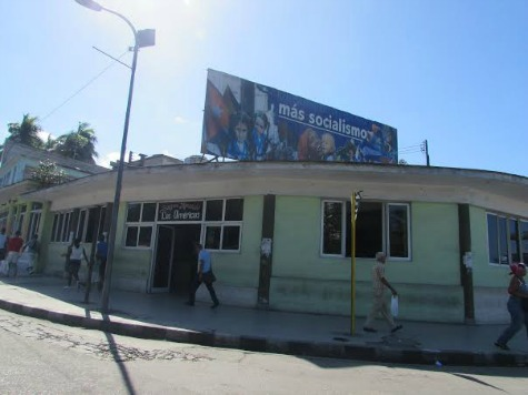 Two Weeks in Cuba: Billboards and Ironies