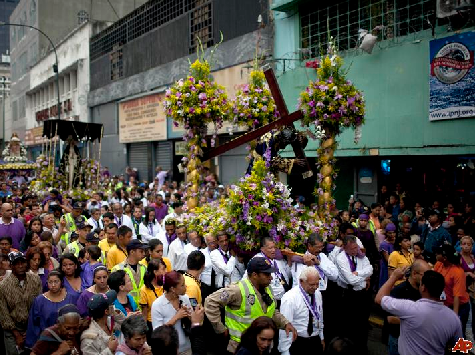 Venezuelans Celebrate Holy Week with Christian Prayer for End of Socialism