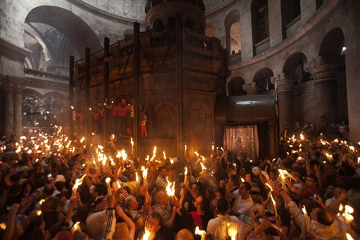 Holy Fire Ceremony Draws Thousands in Jerusalem