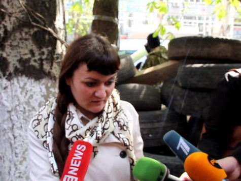 Pro-Russian Forces Parade Ukrainian Journalist Irma Kratt in Front of Media in Sloviansk
