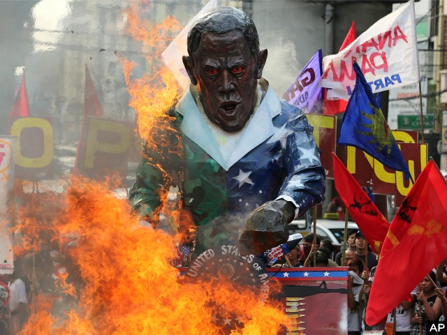 Filipino Protesters Burn Effigy of Barack Obama to Protest New Defense Deal