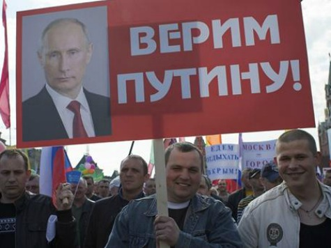 Putin Supporters Flood Moscow for First Post-Cold War May Day Parade in Red Square