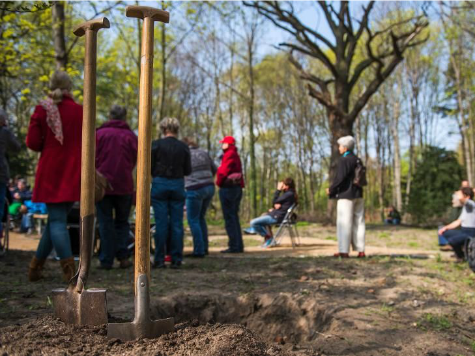 German Cemetery Designates Space for Lesbian Couples