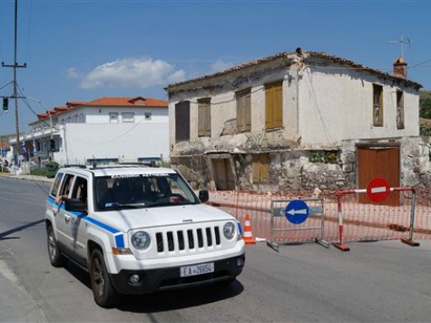 266 Reported Hurt as Quake Rattles Greece, Turkey