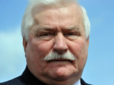Lech Walesa to Barack Obama: 'I Wish the United States Would Lead'