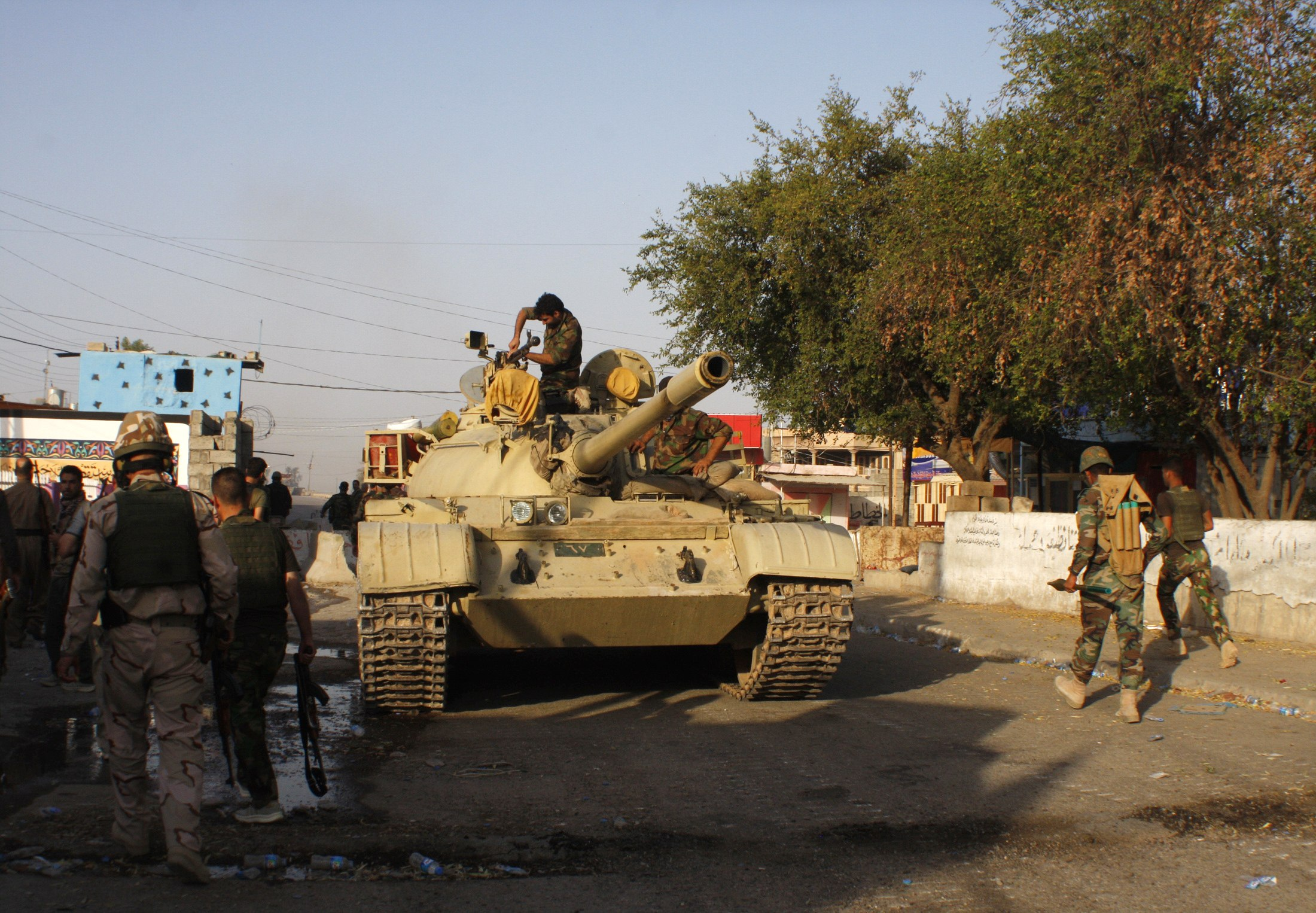 Iraqi Kurds, Battling Islamist Threat, Press Washington for Arms