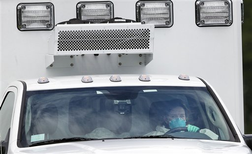 US Doctor with Ebola Arrives in Atlanta