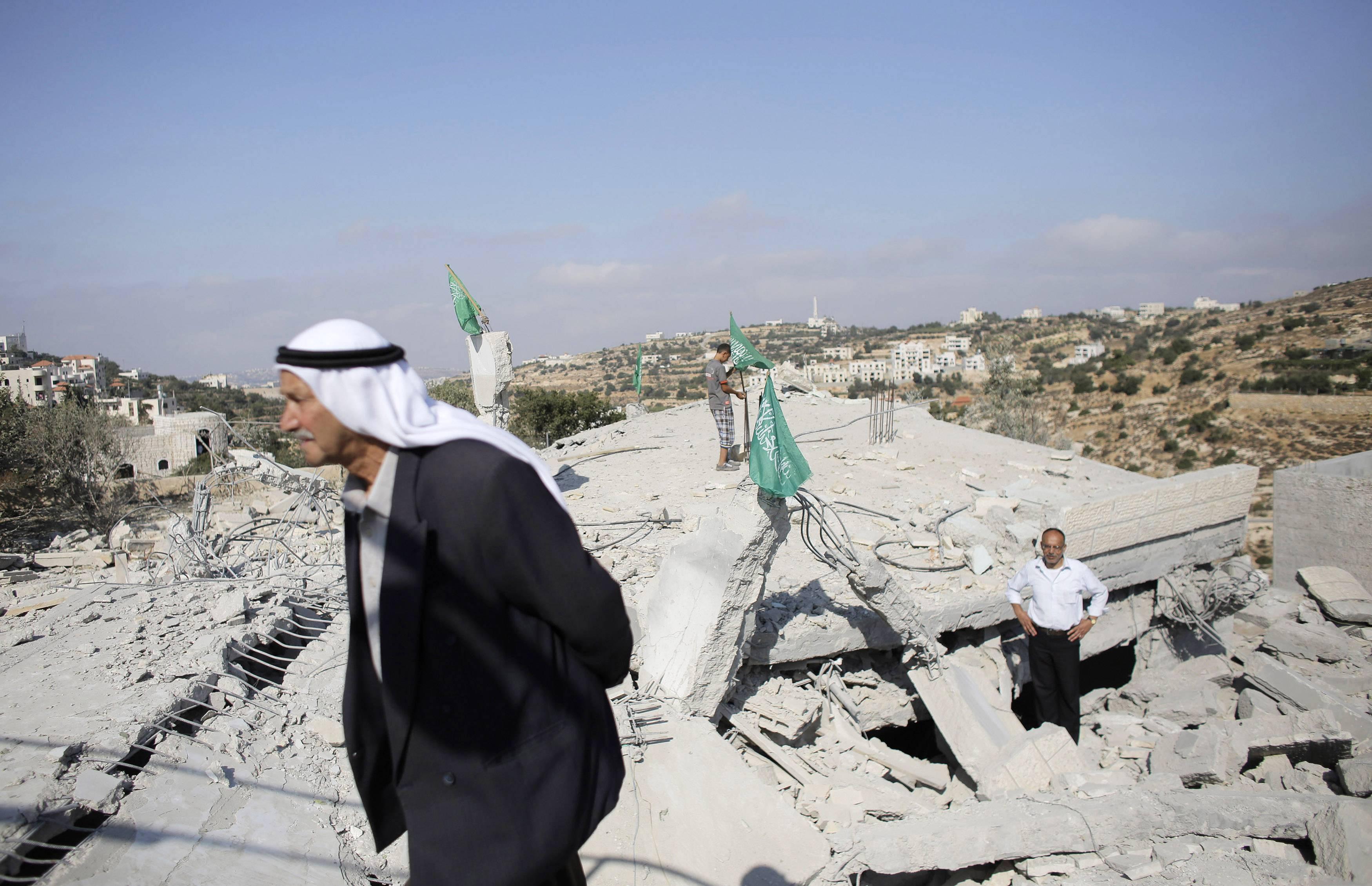 Israel Destroys Homes of Palestinians Suspected of Killing Israeli Teens