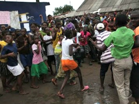 Mob Attacks Liberian Police in Response to Quarantine of Tens of Thousands in Capital