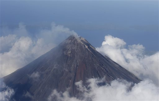 Lava Flows from Philippine Volcano, Thousands Flee