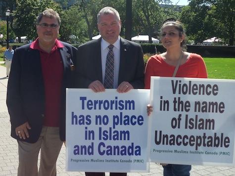 Anti-Terror Muslims Rally in Toronto Against Radical Islam