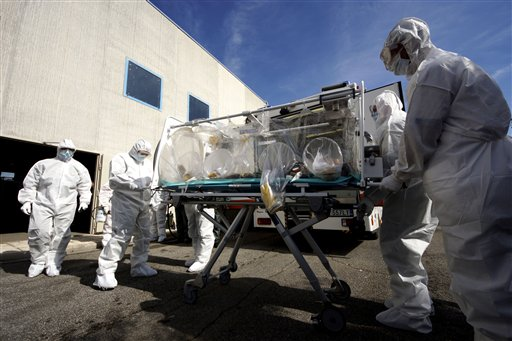 Italy Stages Ebola Evacuation Drill-Just in Case