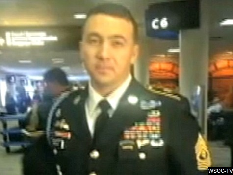 US Air Attendant Denies Vet Request to Hang Medal-Filled Jacket: Not a 'First-Class' Passenger