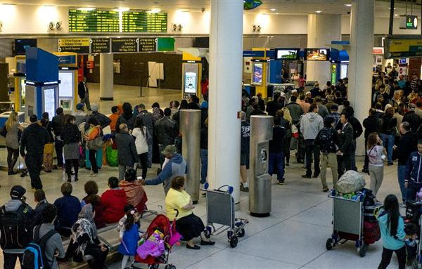 Poll: More Than 1 in 4 Americans Afraid to Fly Because of Ebola