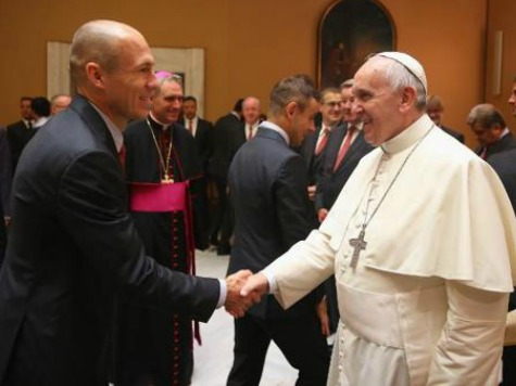 Pope Receives Munich Soccer Team after They Clobber Roma