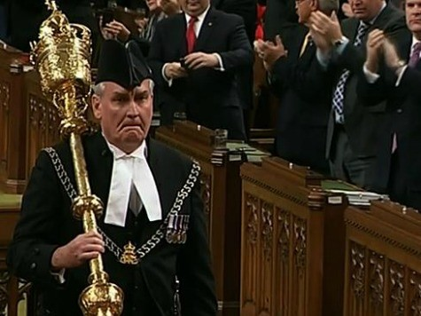 Kevin Vickers Gets Two Minute Standing Ovation Day After Stopping Canada Terror Attack