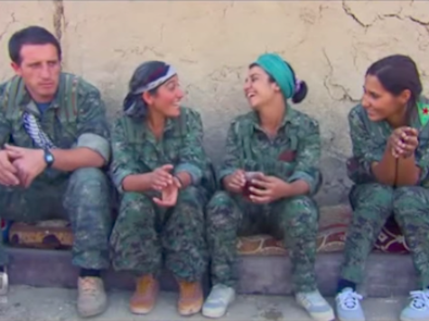'60 Minutes Australia' Airs Live Footage of Kurdish Female Army Battling ISIS