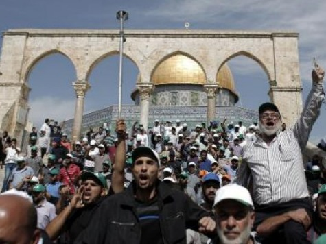 Abbas: Closure of Jerusalem's al-Aqsa Mosque Site a 'Declaration of War'