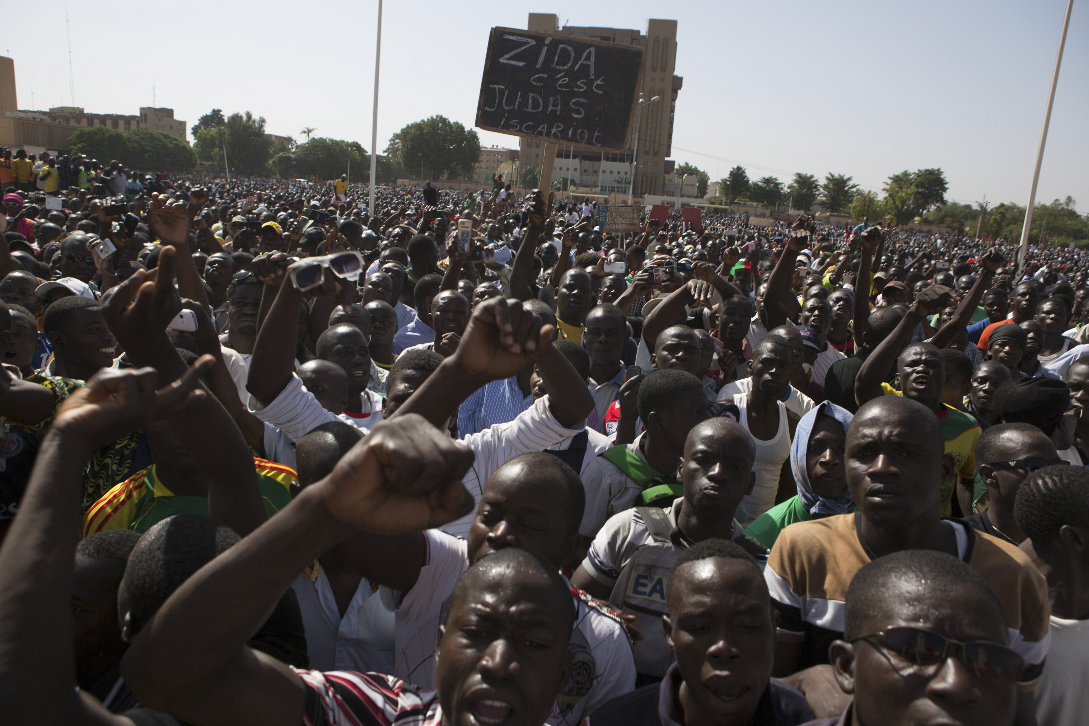 Army Clears Protesters, Fires Warning Shots in Burkina Faso