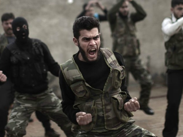 US-Trained Syrian Rebels Defect to Al-Qaeda, Surrender Weapons