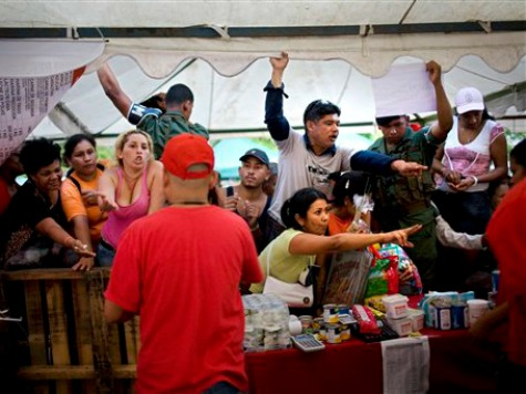 Pop-Up Street Markets Replacing Storefronts as Socialism Ravages Venezuela's Economy