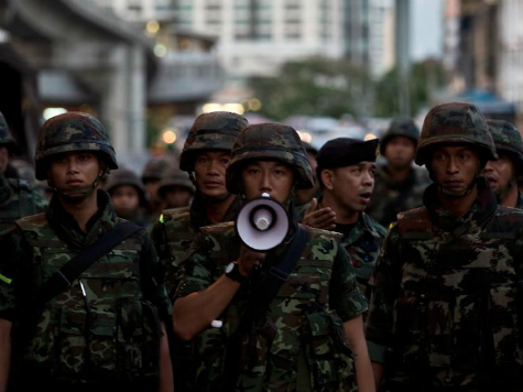 Thai Coup Leaders Continue Curfew, Threaten Social Media Shutdown