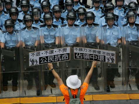 Hong Kong police to clear last Occupy protest site Monday