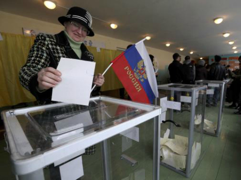 Crimea declares independence from Ukraine, applies to join Russia