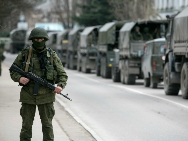 Ukrainian Soldiers Report More Russian Troops in Crimea