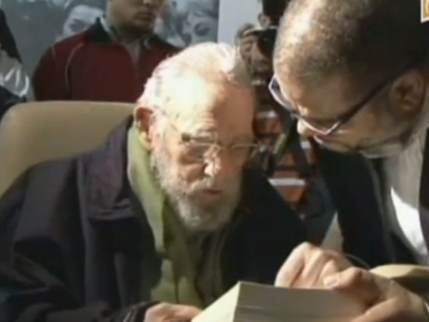 Alleged Video of Fidel Castro Schmoozing at Art Show Surfaces