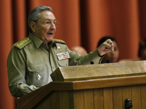 Raul Castro Demands Obama Executive Action on Embargo in Victory Lap Speech