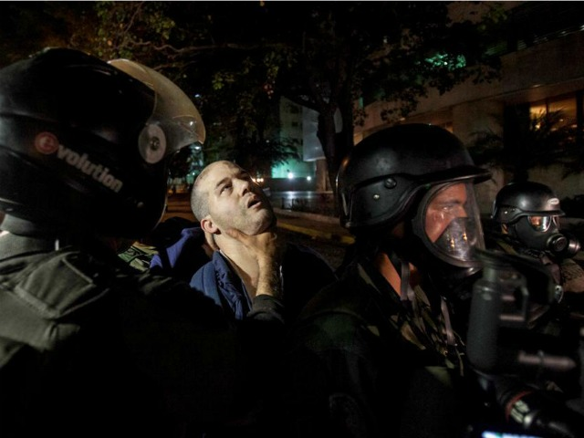 243 Student Protesters Detained in One Day During Venezuelan National Guard Raid