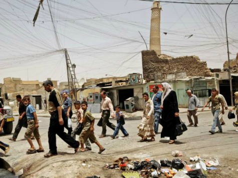 Mosul Residents Fight Back as ISIS Tries to Destroy 840-Year-Old Muslim Monument