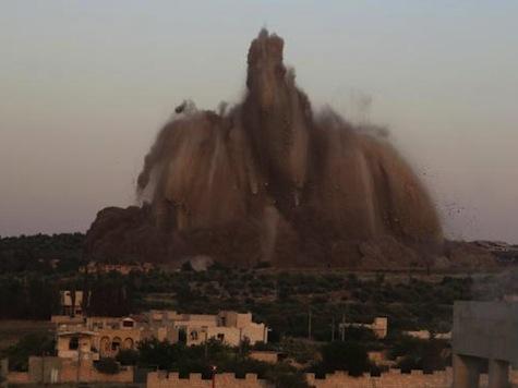 Massive Underground Bomb Hits Syrian Army Base