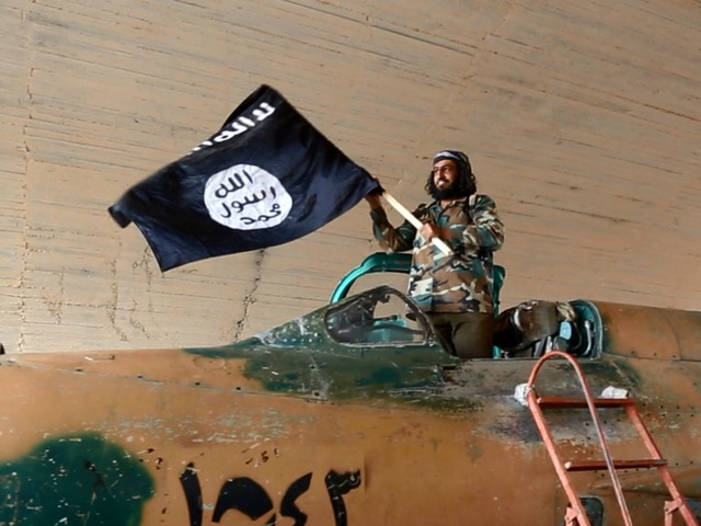 ISIS Calls For Radicalized Americans To Go To Homes Of U.S. Soldiers, 'Slaughter Them'