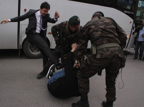 Advisor to Turkish PM Apologizes for Kicking Protester