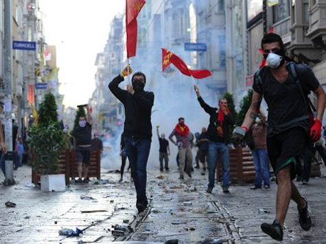 Turkish Police Fire Tear Gas at Defiant Protesters