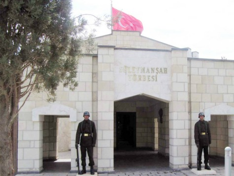 Turkey Vows to Protect Suleyman Shah Tomb Against ISIS