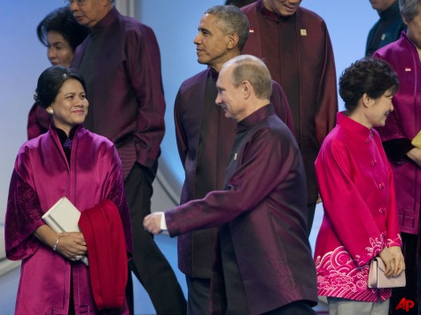 Obama and Putin Meet Briefly in Beijing