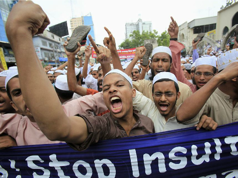 Bangladesh: Muslim Mob Terrorizes City Following Insult of Prophet Muhammad
