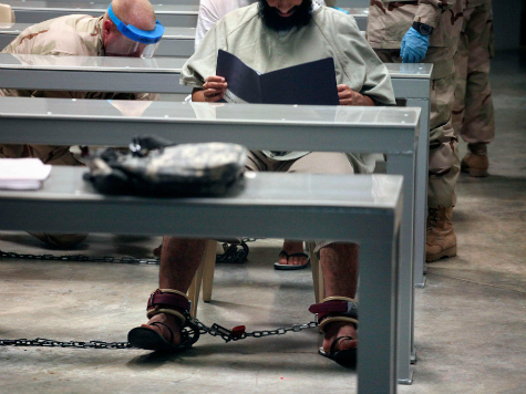 Obama Transfers 6 Guantanamo Detainees to Uruguay as Refugees